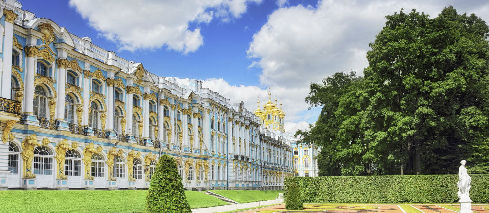 See the palaces of St Petersburg