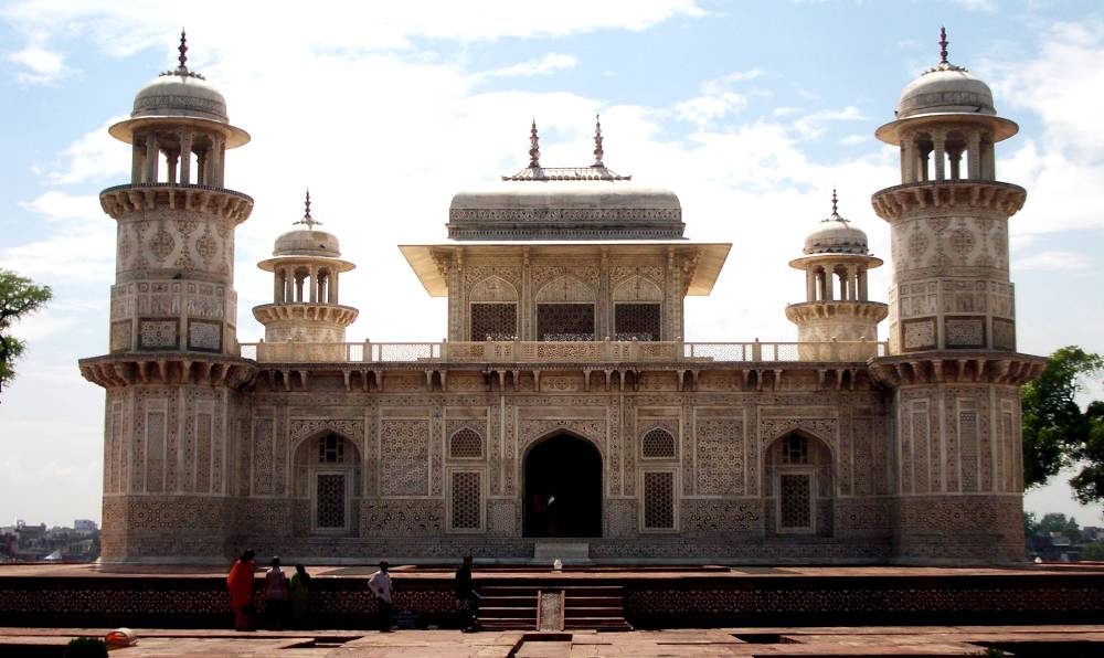 Tomb of Itmad-ud-Daulah in Agra