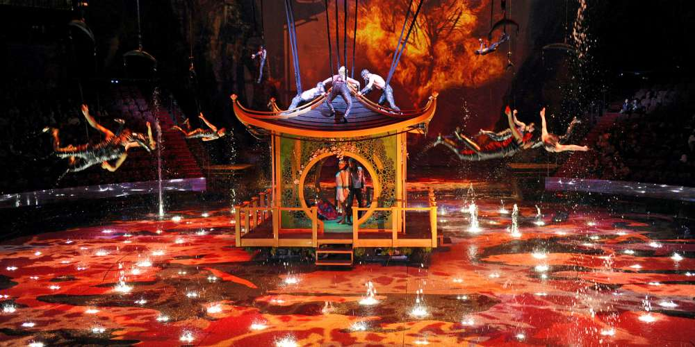 House of Dancing Water show