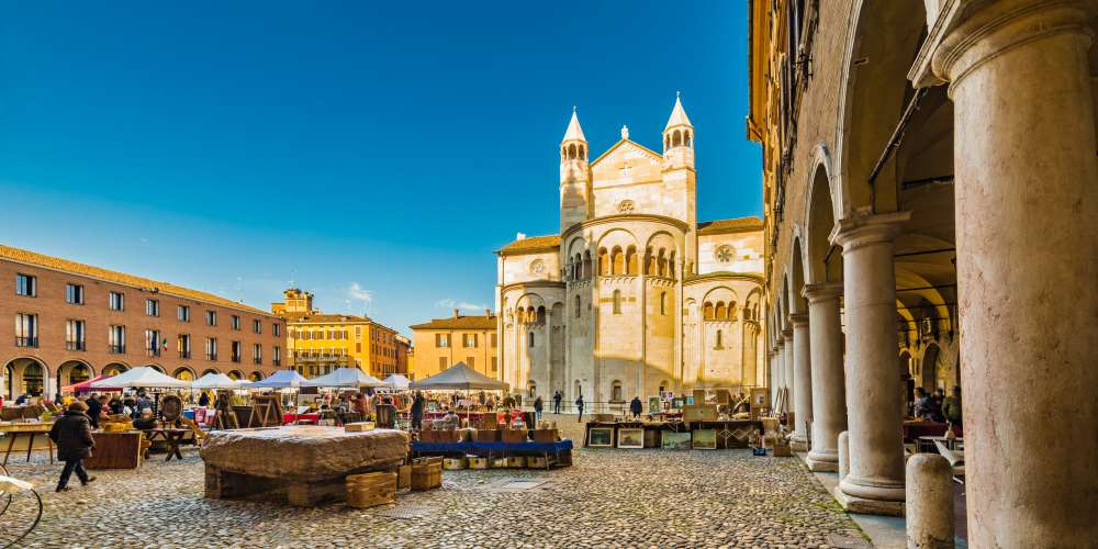 The main square of Modena