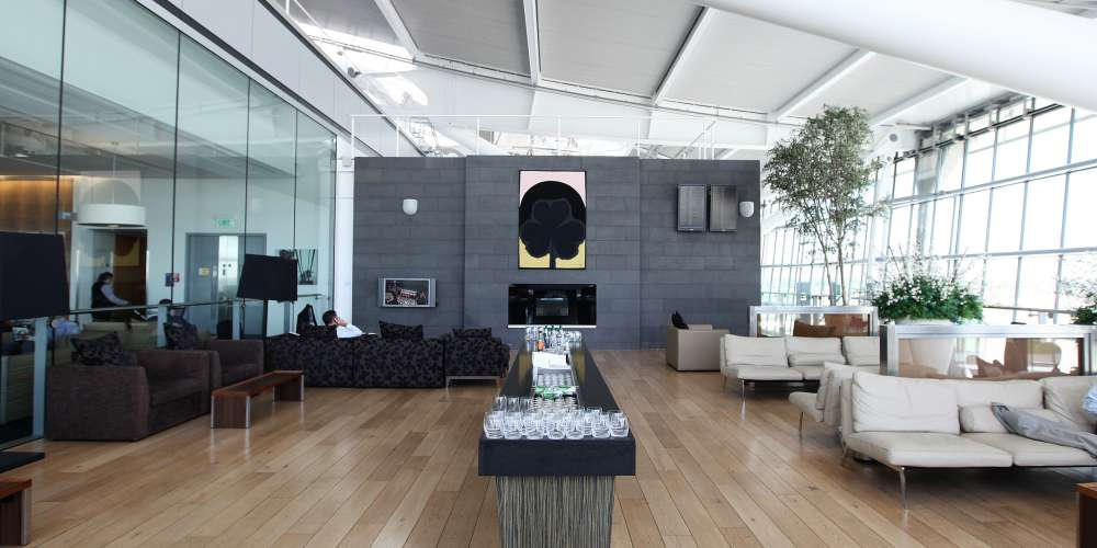 First lounge terrace