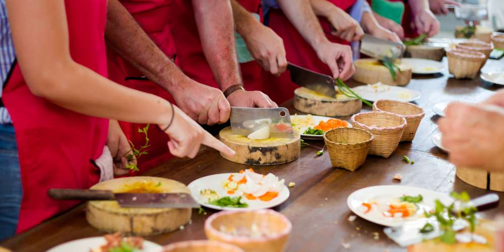 A traditional cooking class